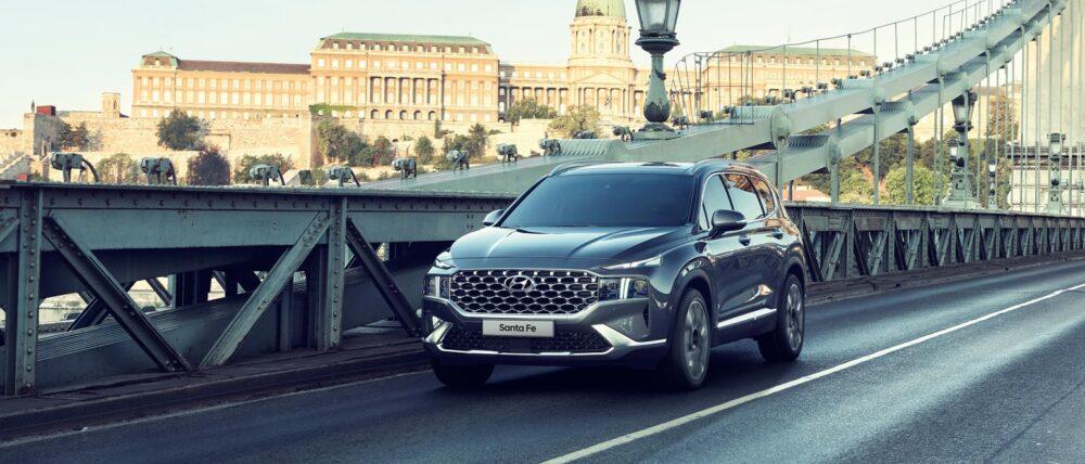 Hyundai Santa Fe på vägen